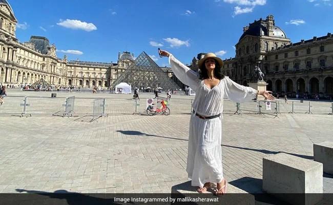 Pics From Mallika Sherawat's Parisian Holiday Are Postcard-Worthy