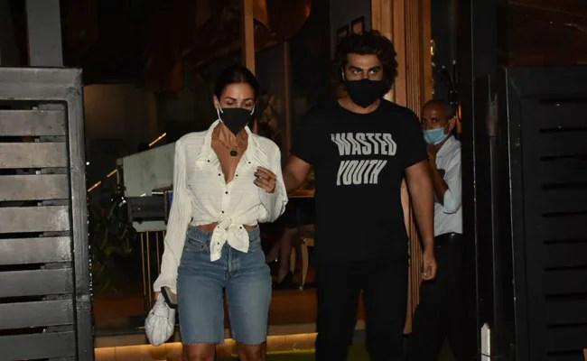 Inside Malaika Arora and Arjun Kapoor's date night.  see photos