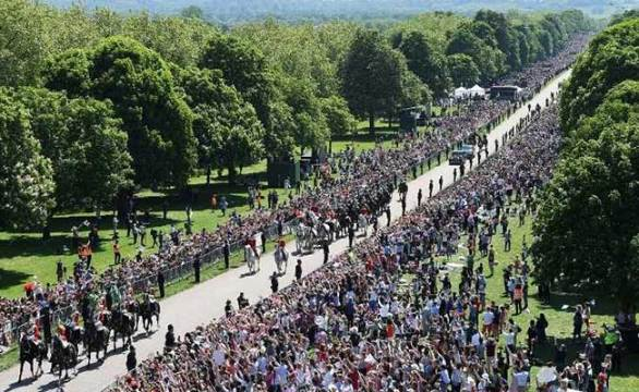 royal wedding crowds windsor afp