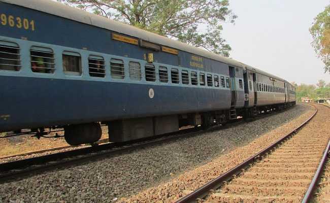 केरल में ट्रेन पैसेंजर से 100 जिलेटिन की छड़ें, 350 डेटोनेटर जब्त