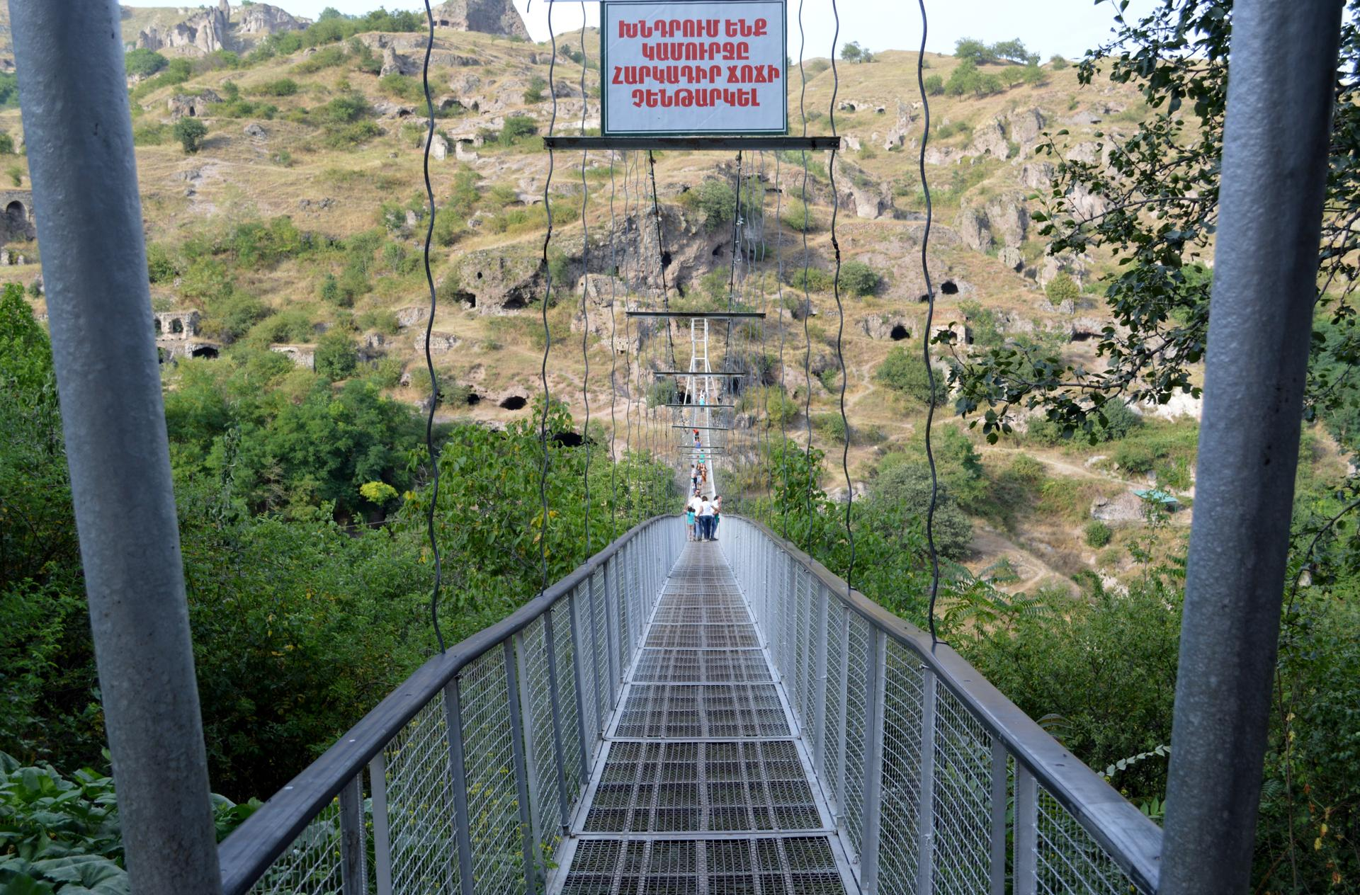 29armenia - Khnzoresk bridge. (Juliet Pennington for The Boston Globe)