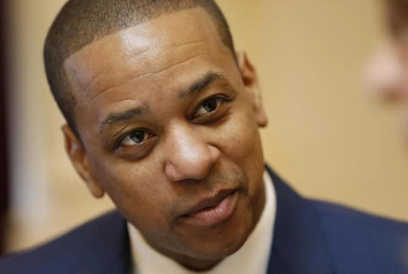 Is Virginia Lt. Gov. Justin Fairfax prep for the Senate session in the Capitol in Richmond, Va., Tuesday, February 12, 2019. Fairfax is in charge of the Seanad despite allegations of sexual assault against him. (AP Photo / Steve Helber)