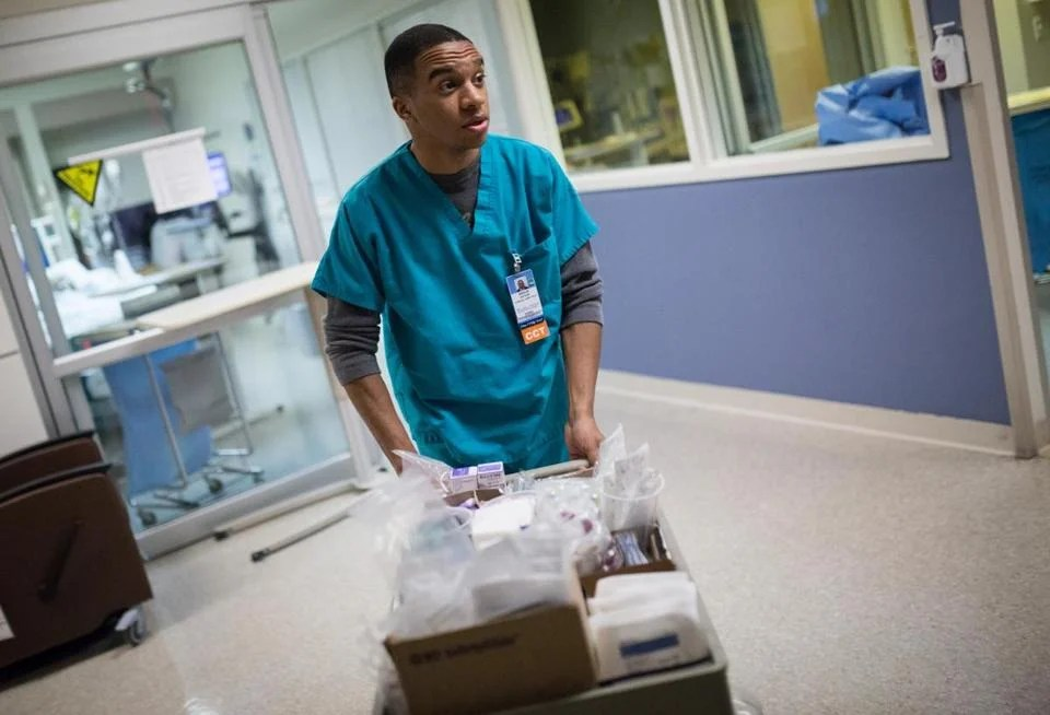 Tufts Medical Center recruits college grads as nurses aides  The Boston Globe