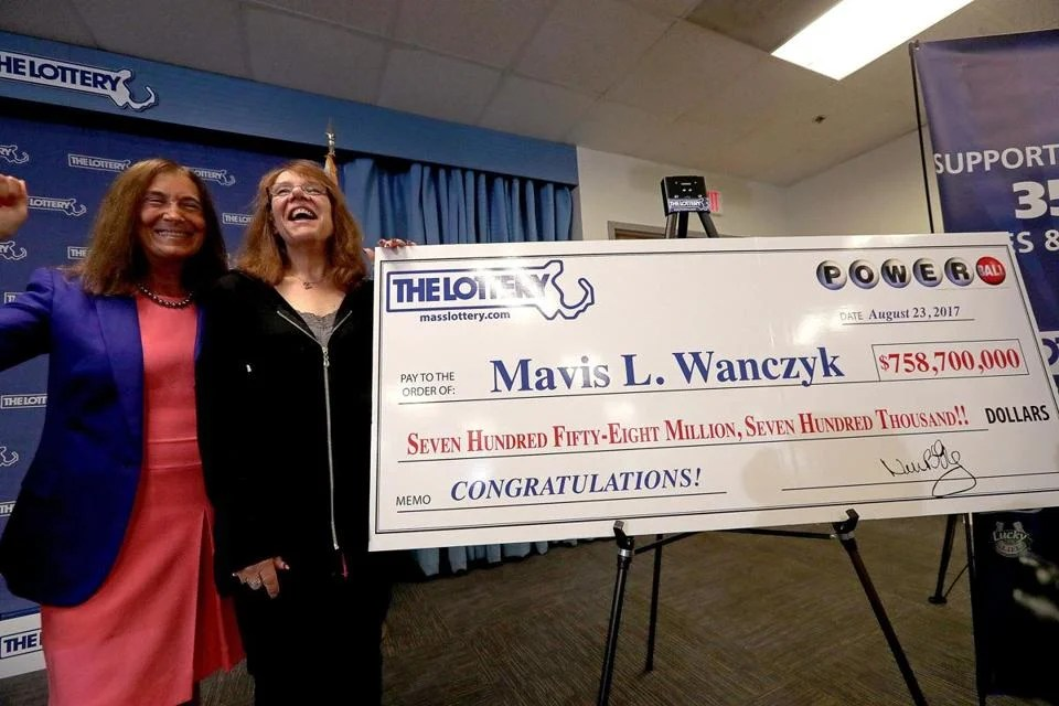 Lottery Introduces Woman Who Won 7587m Powerball Jackpot