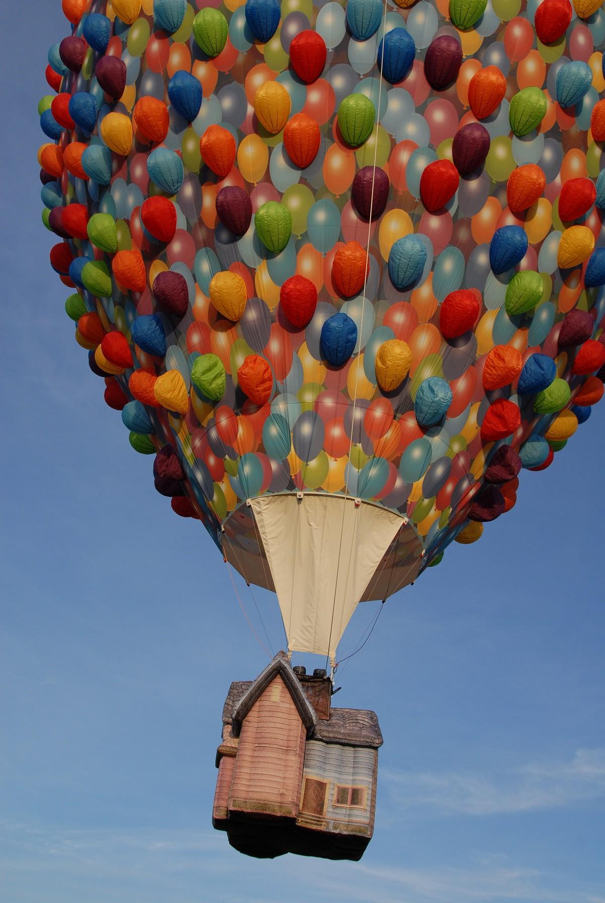 Kostenlose foto  Flgel Himmel Ballon Reise Flugzeug Fahrzeug Flug blau Spielzeug