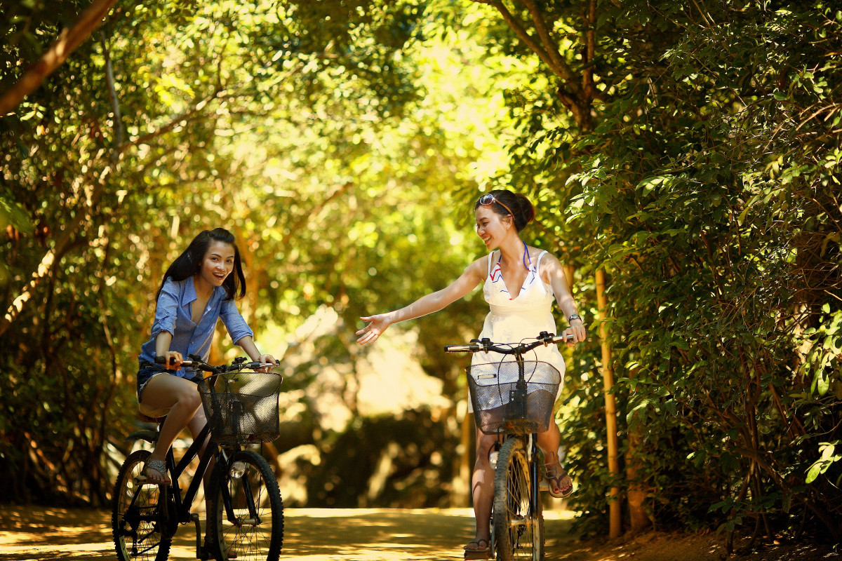 Happy Boy And Girl Hd Wallpaper Free Images Nature Path Outdoor Person People Girl