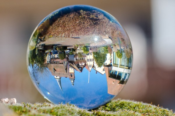 Free Reflection Color Blue World