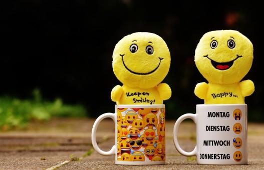 Minions Cartoon With Meaningful Quotes Wallpaper For Pc Emoji Darmowe Zdjęcia Amp Darmowe Zdjęcia Tapety Na