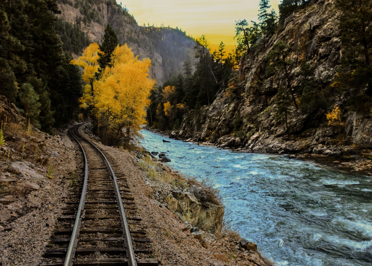 4k Fall Wallpaper Free Images Landscape Mountain Track Train River