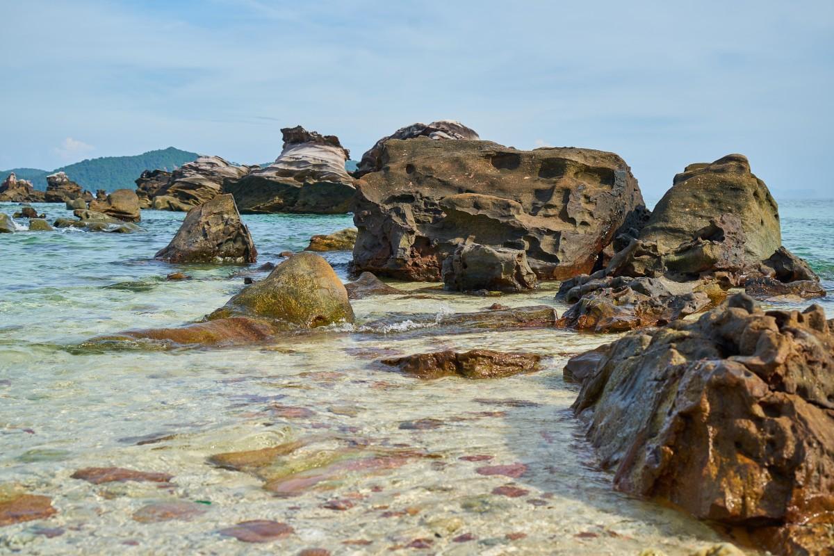 Huge Landscape Rocks