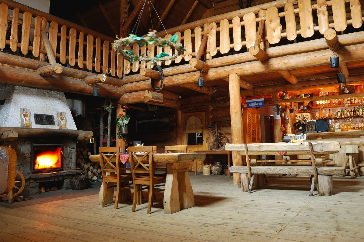 Gambar  bangunan restoran kios perkebunan Pondok Dr batang kayu warung sejarah kuno