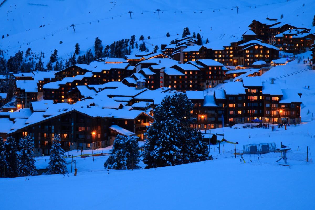 Images Gratuites  paysage arbre Montagne neige hiver nuit maison ville chane de