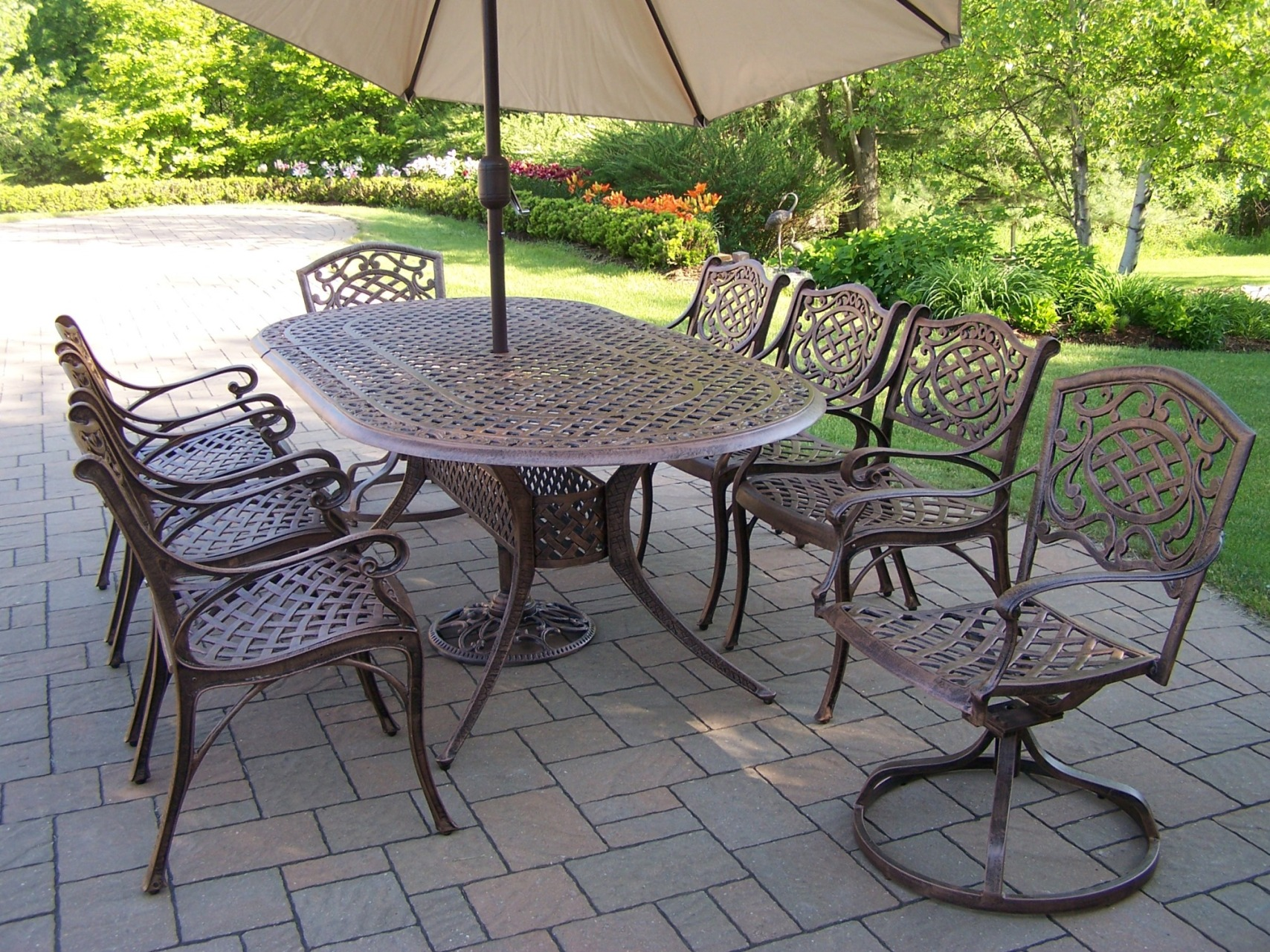 Cast Aluminum Oval Patio Dining Sets