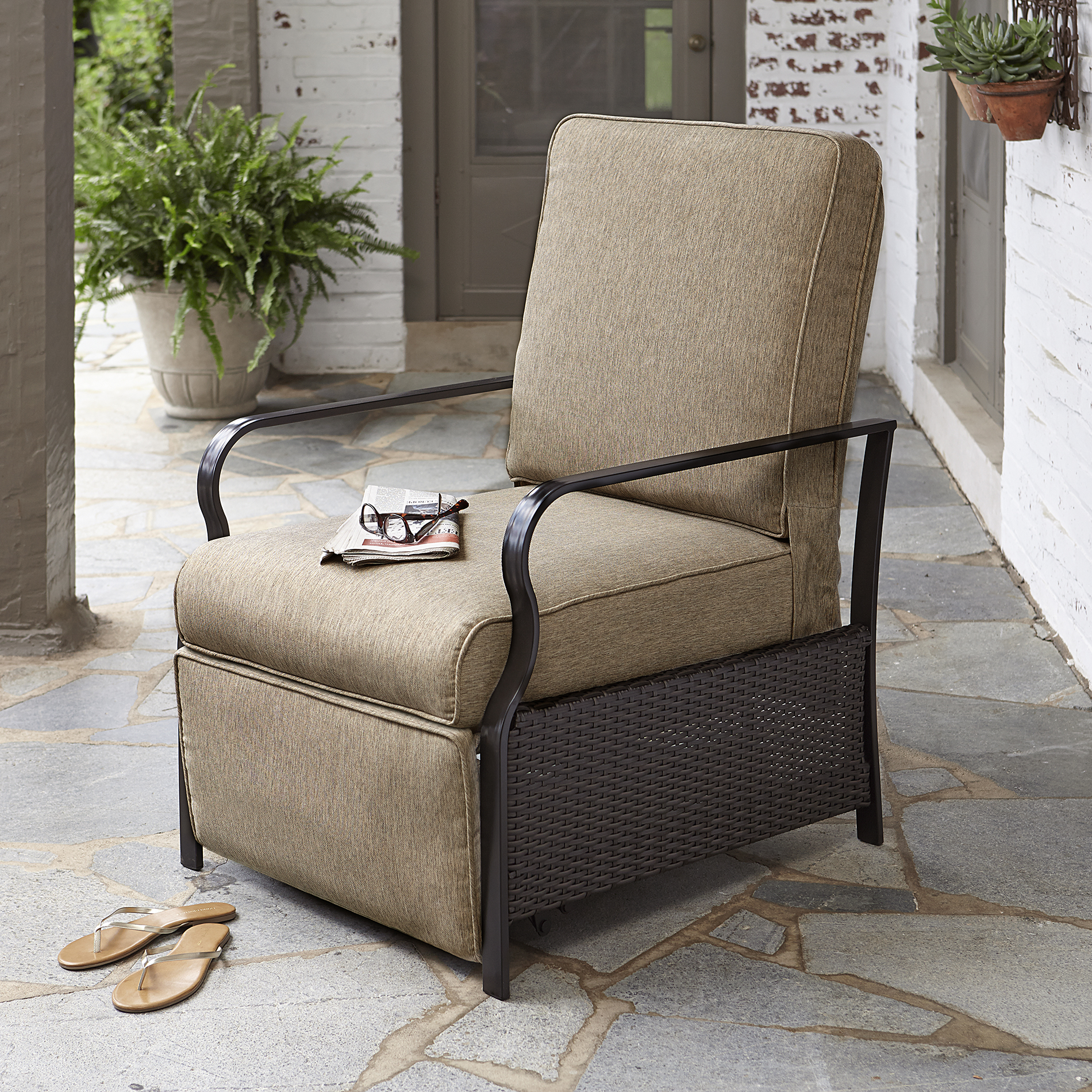 Outdoor Reclining Chair La Z Boy Outdoor Ashlynn Recliner Limited Availability