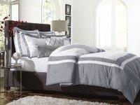 Jaclyn Smith 5pc. Comforter Set  Hotel Frame Alloy