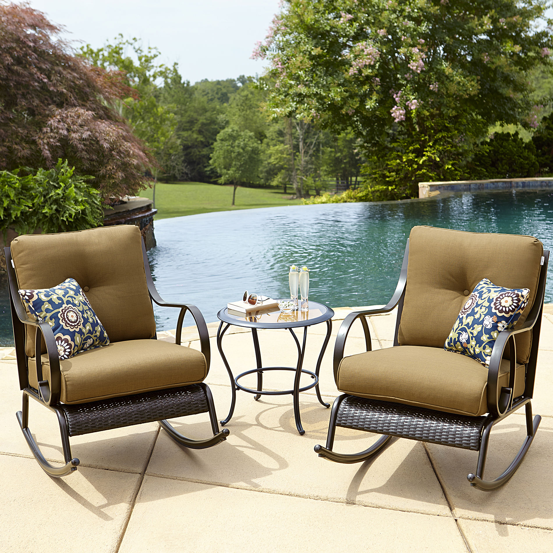 La-boy Outdoor Avery 3pc Bistro Set - Gold Limited