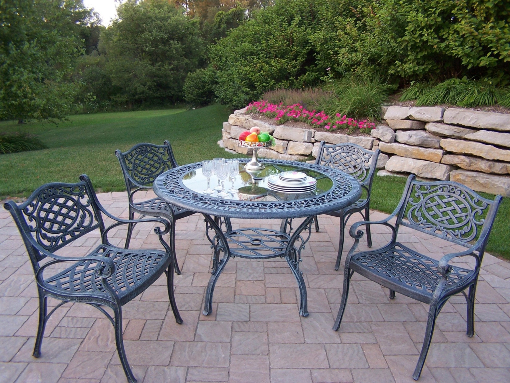 Oakland Living Cast Aluminum 5 Pc Patio Dining set w 48 tempered glass top Table  Durable