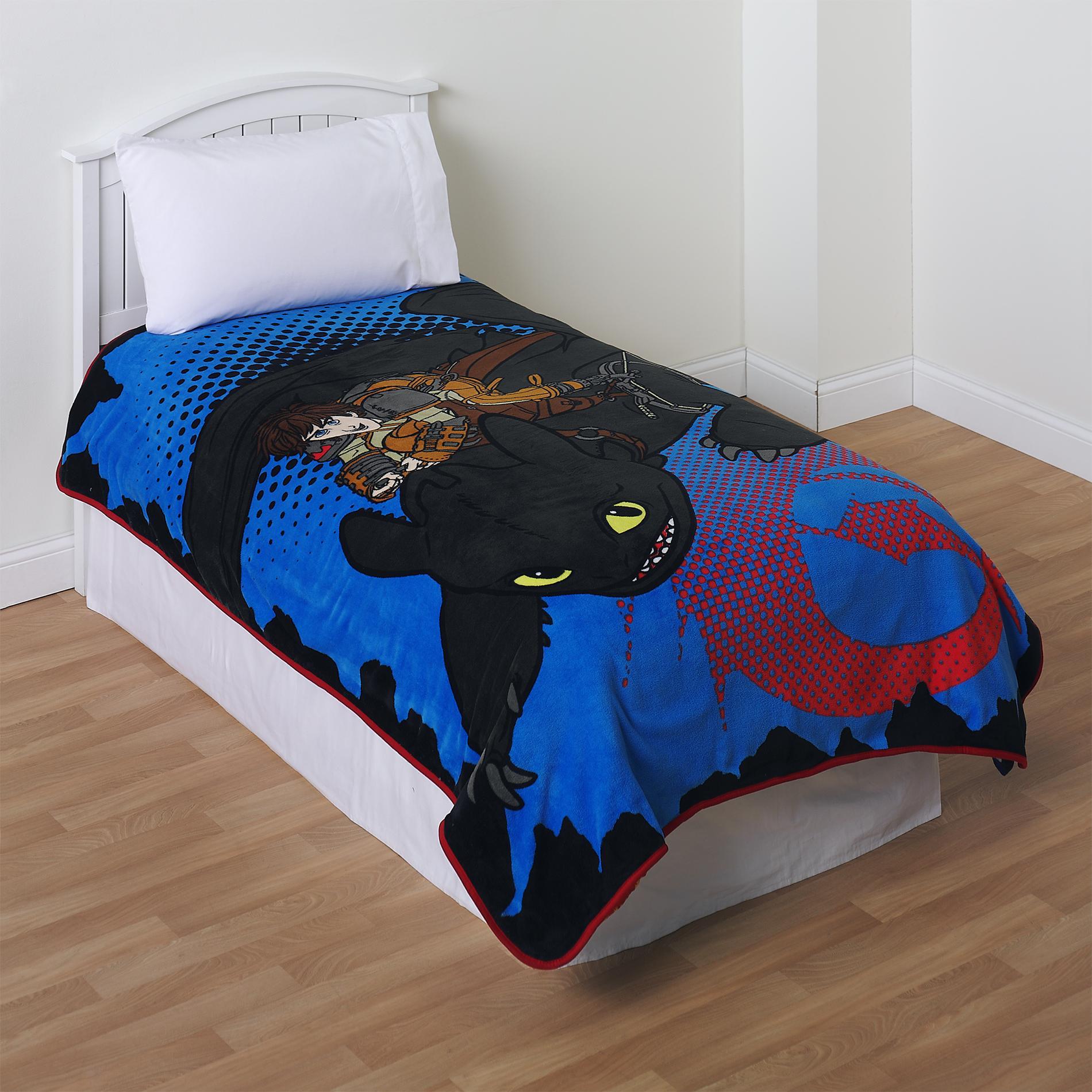Dreamworks Train Dragon Fleece Blanket