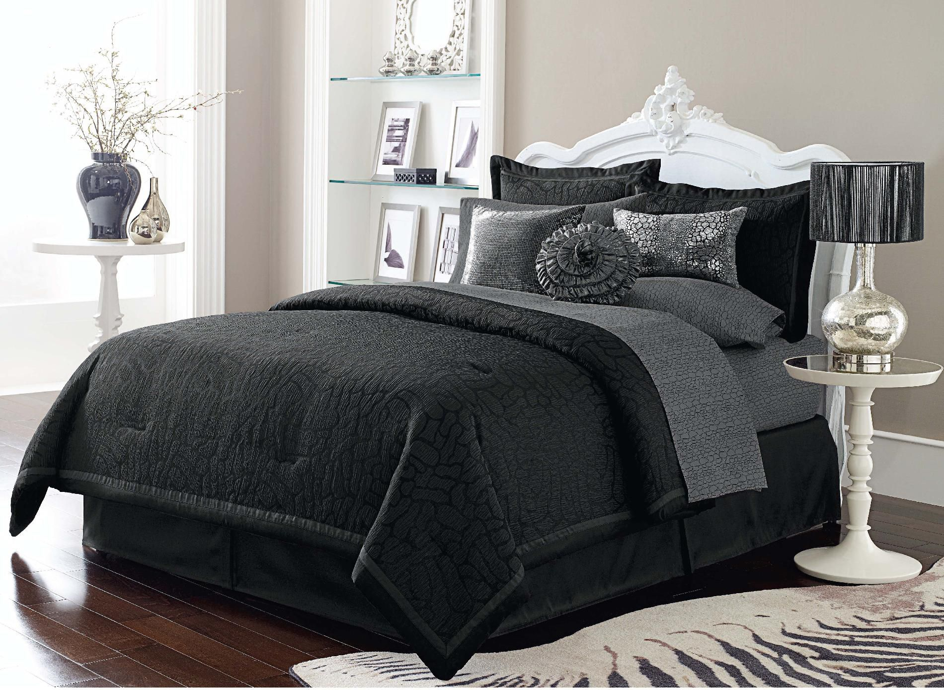 Sofia by Sofia Vergara Black Magic Comforter Set