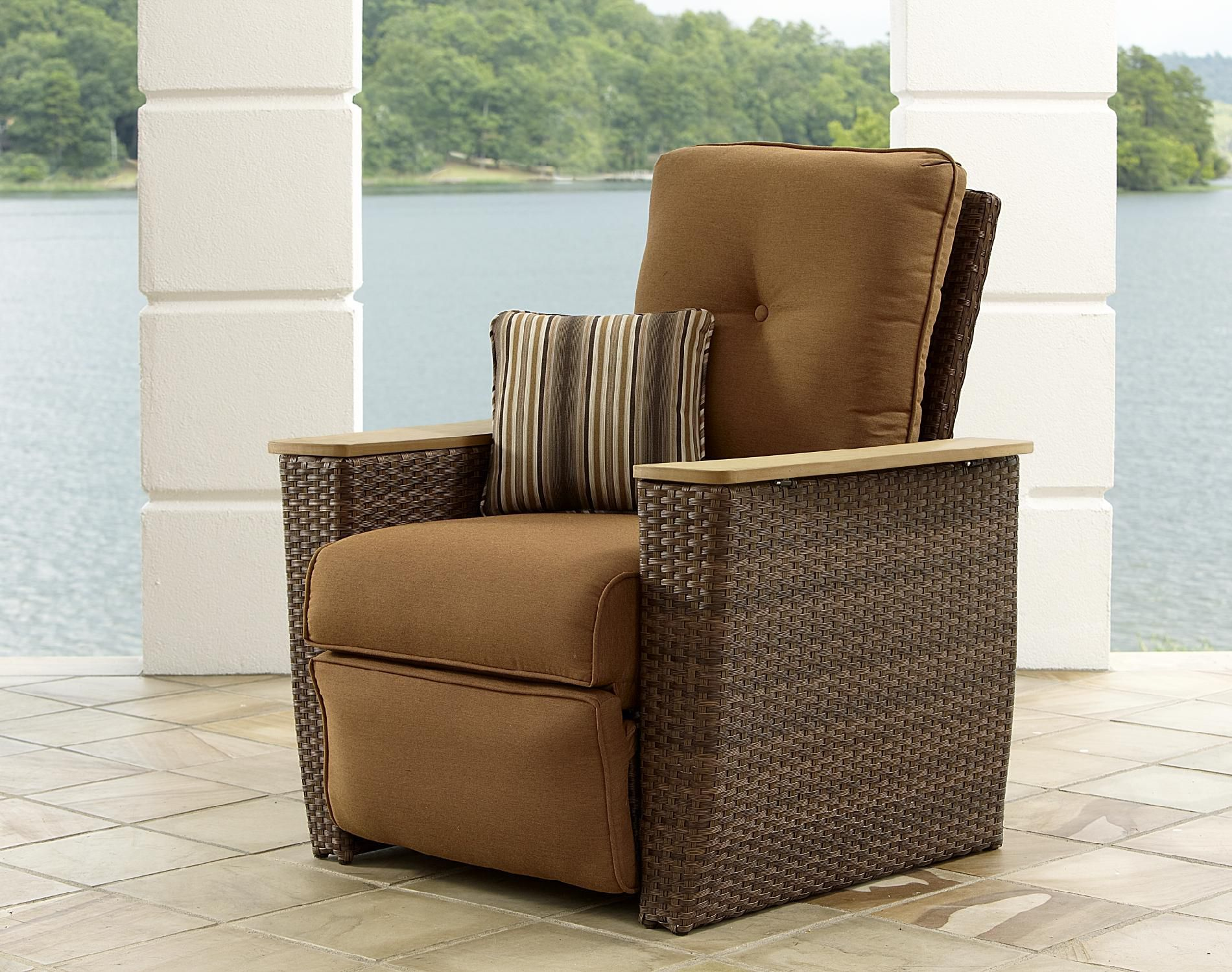 Outdoor Reclining Chair La Z Boy Outdoor Hargrove Recliner