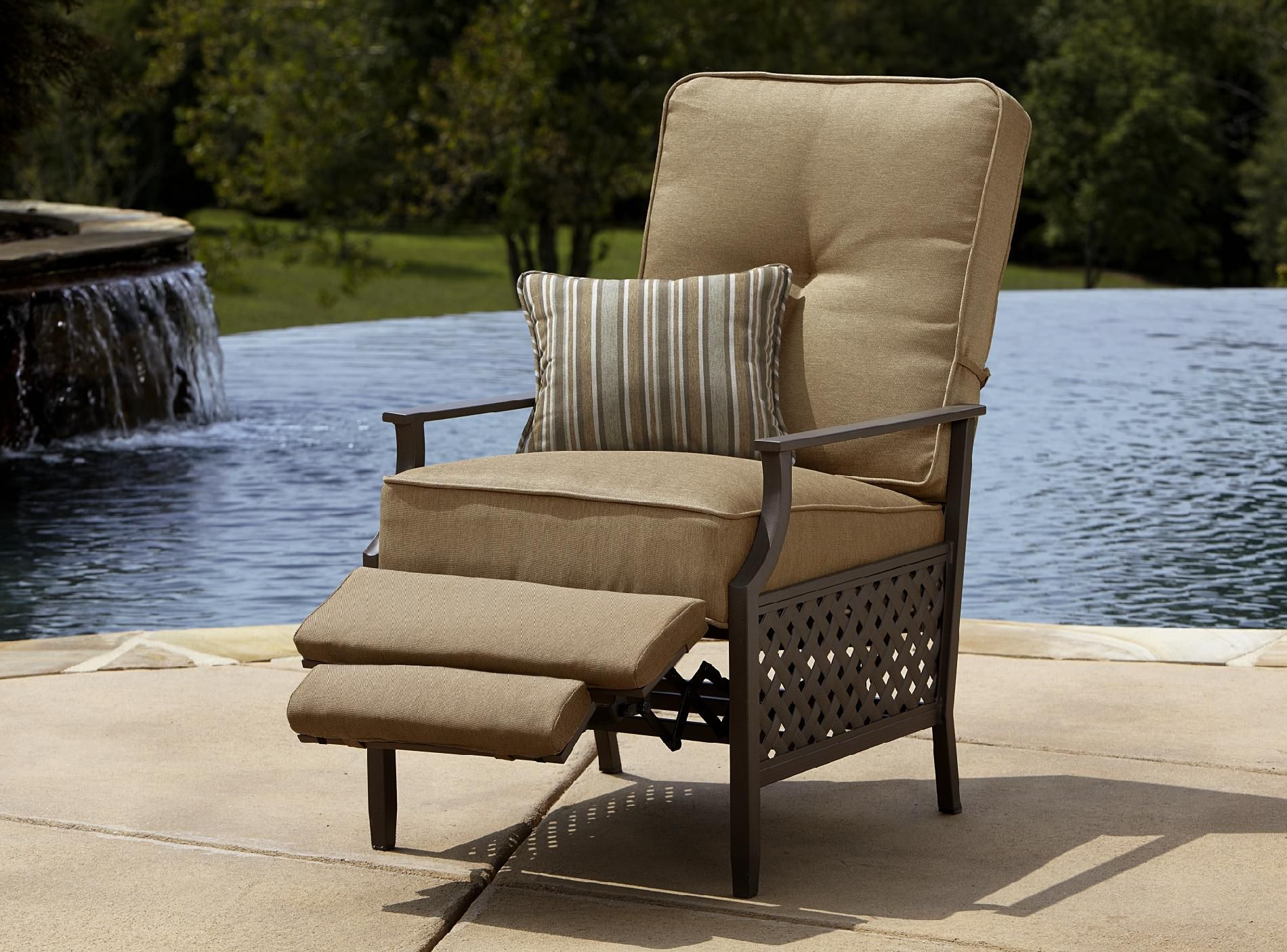 Reclining Patio Chairs Garden Furniture Reclining Chairs Roselawnlutheran
