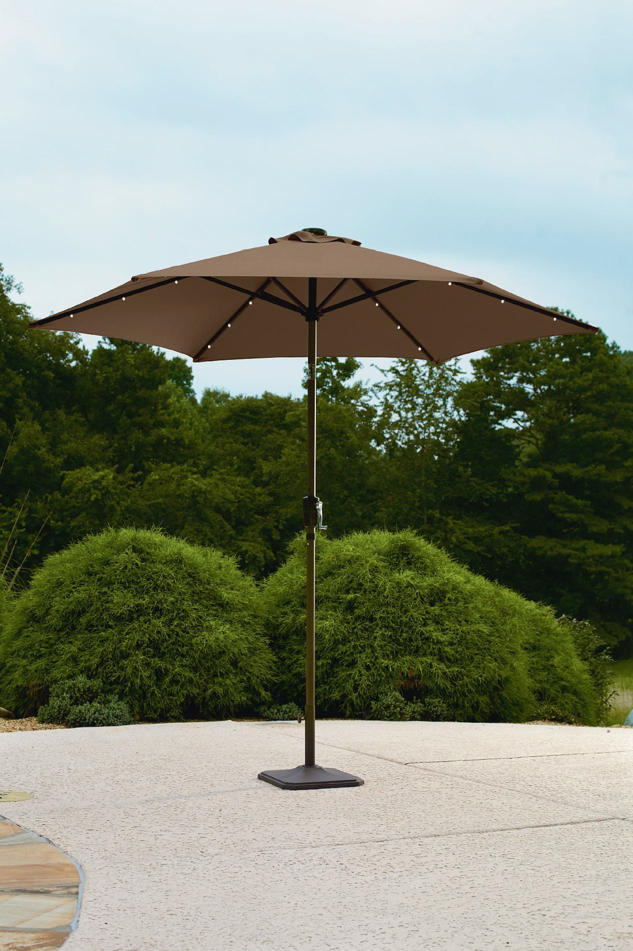 Garden Oasis 9' Solar Lighted Umbrella - Outdoor Living