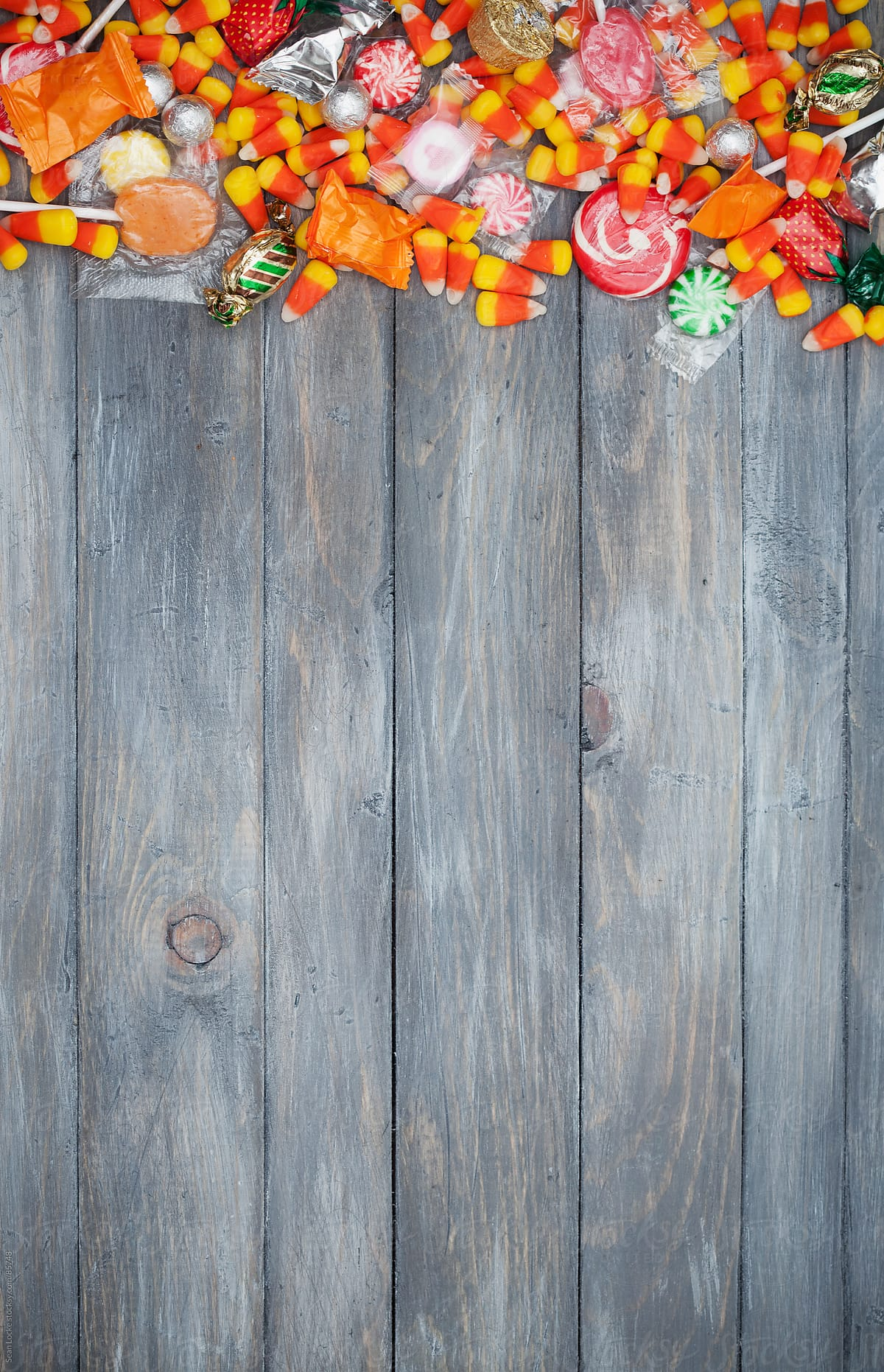 Fall Wallpaper And Screensavers For Free Halloween Halloween Candy Border Background Stocksy United