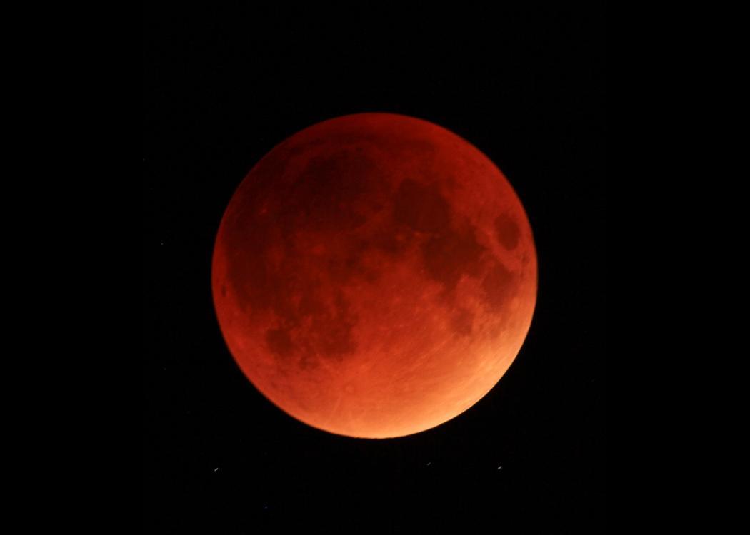 causes lunar eclipses [ 1050 x 750 Pixel ]