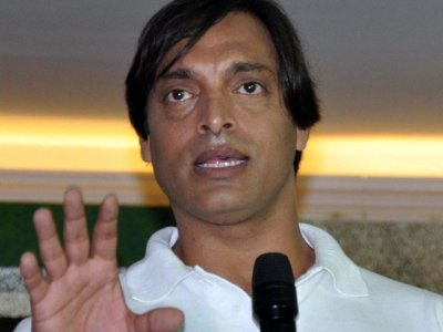 Shoaib Akhtar Requests Pakistani Fans To Support India