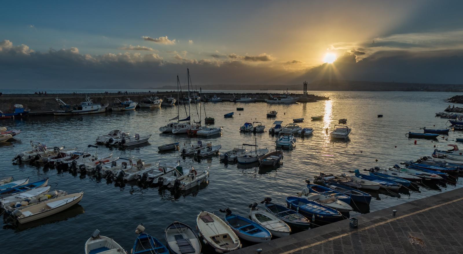 Sfondi  Portici Porto porto paesaggio marino golfo baia Napoli cavalla mare barche a