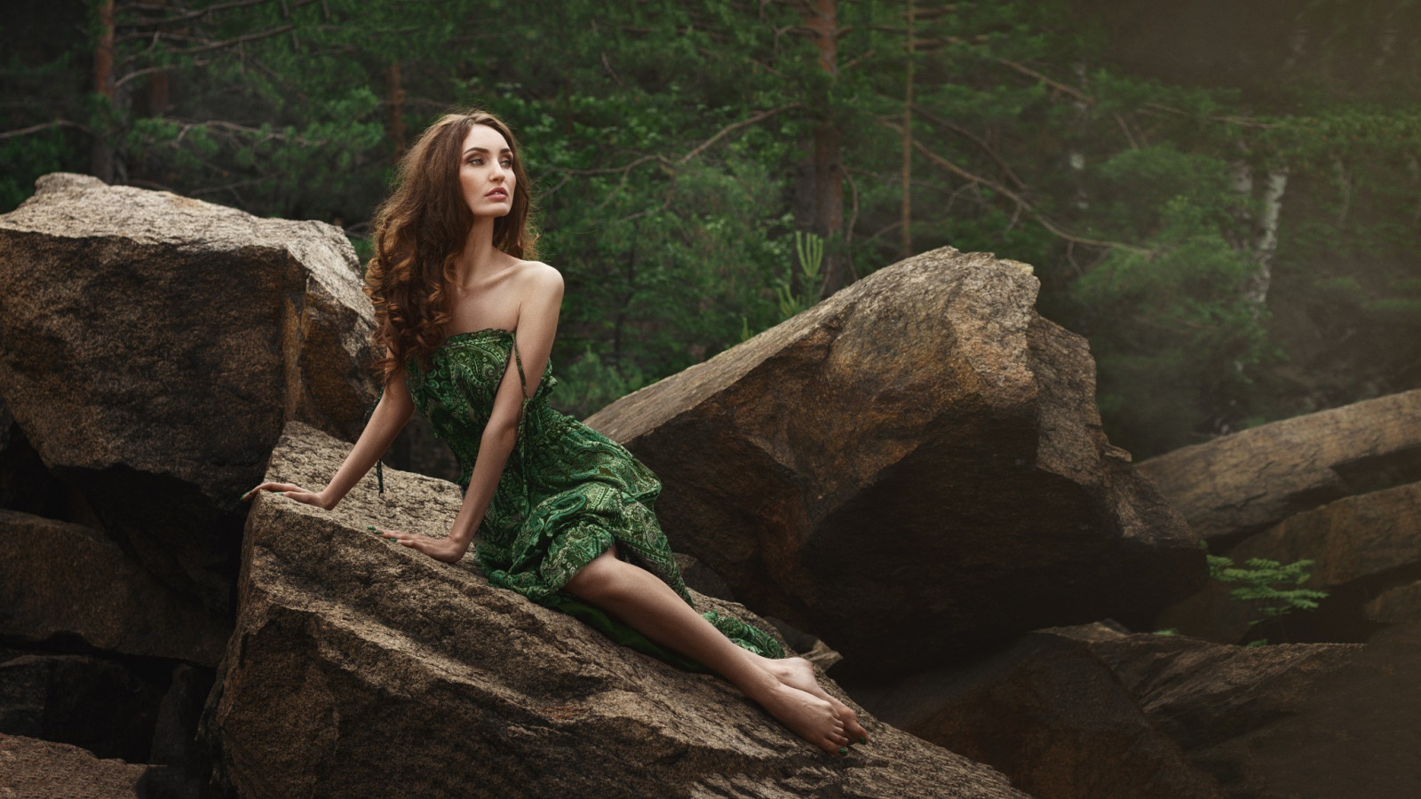 Brunette Girl Bent Wallpaper Fondos De Pantalla Bosque Mujer Modelo Rock