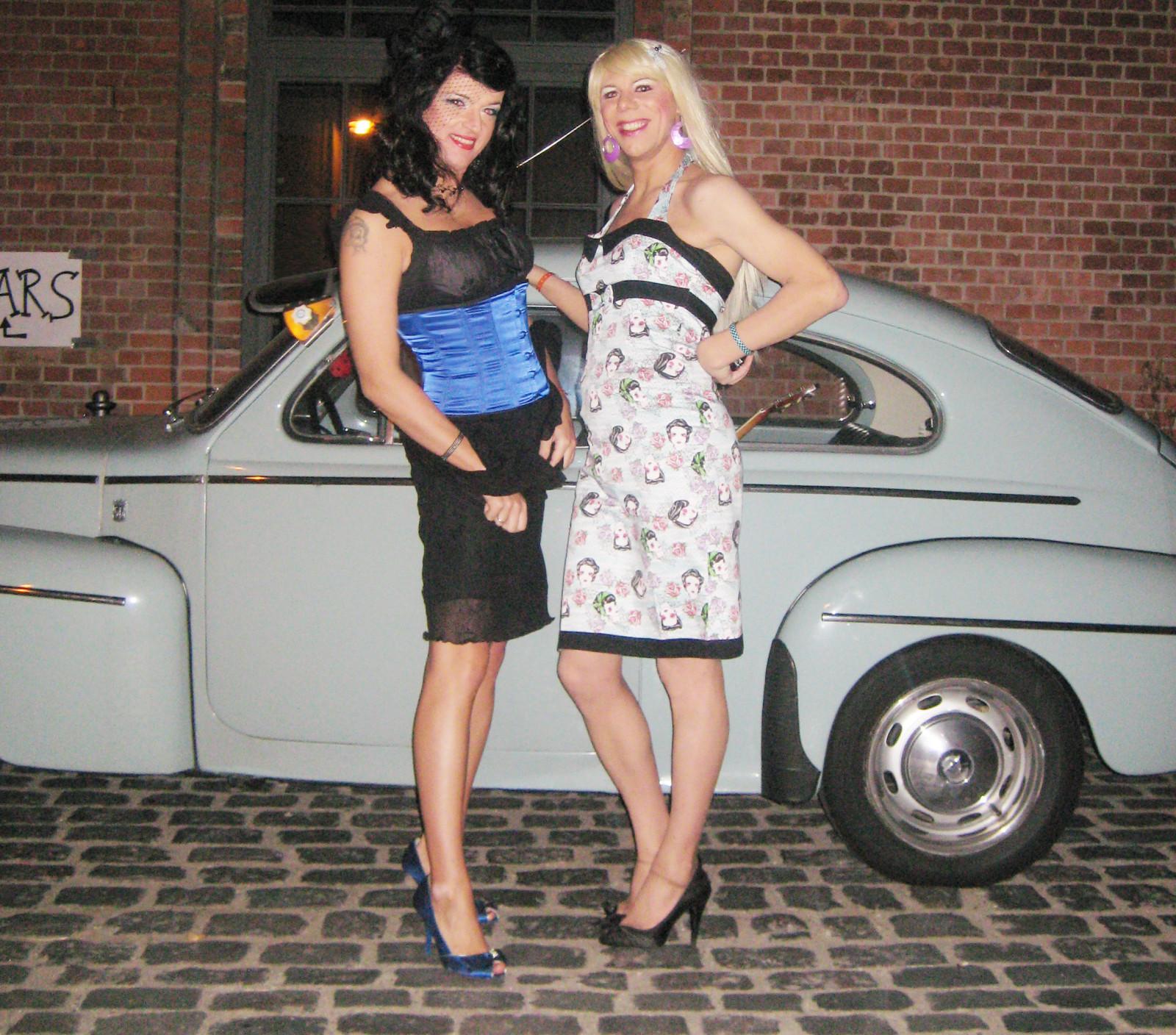 50s Classic Cars Wallpaper Wallpaper Girls Cars Fashion Zoe Volvo 60s
