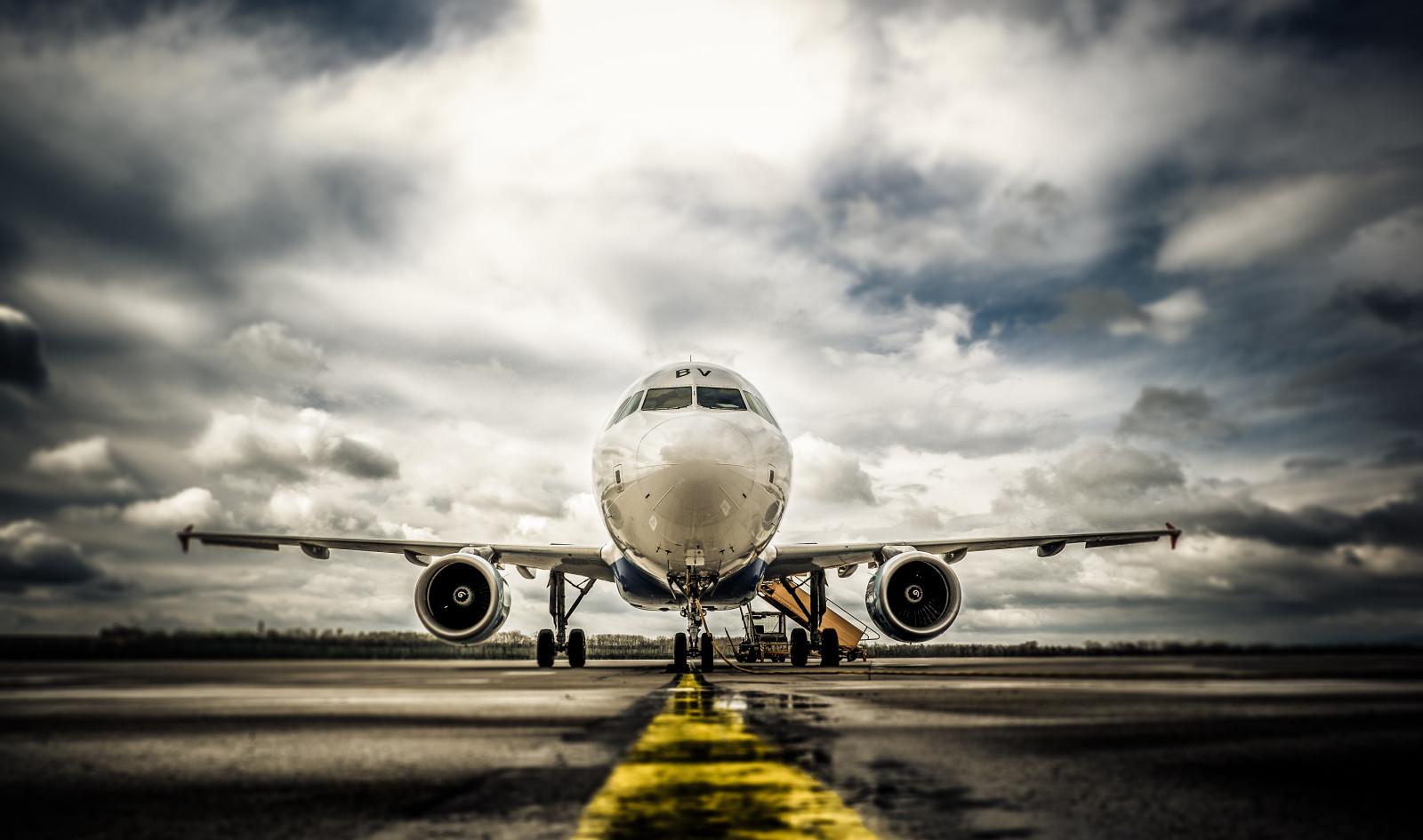 デスクトップ壁紙 : 嵐, 天気, 雲, 空港, 富士, 航空機, エアバス, フジフィルム, xt1, ミラーレス 4848x2864 ...