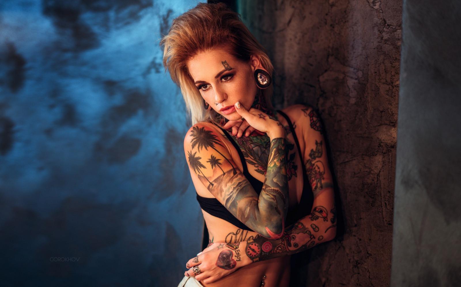 Girl Eyes Looking Up Wallpaper Wallpaper Face Women Blonde Looking Away Tattoo Bra
