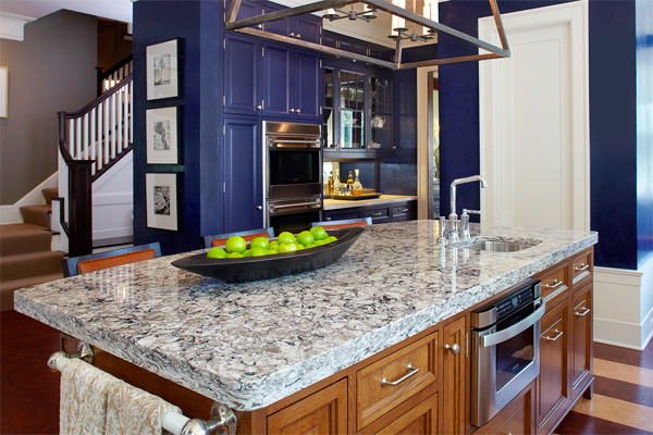 Low-maintenance quartz countertop in a kitchen