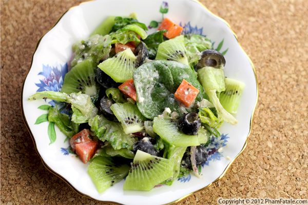 Image source: http://www.phamfatale.com/id_3237/title_Kiwi-Spinach-Salad-Recipe/