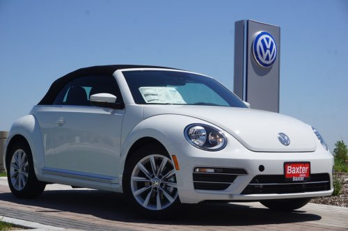 small resolution of new 2019 volkswagen beetle convertible se
