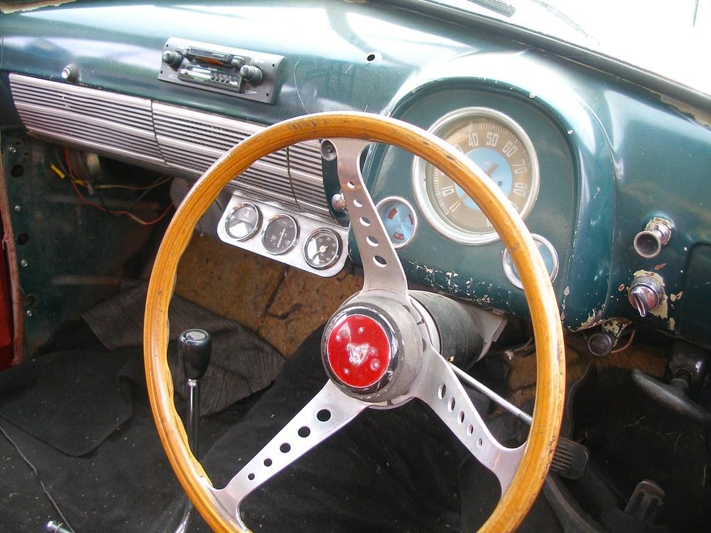 FJ Holden interior  Pretty ratty Converted from column