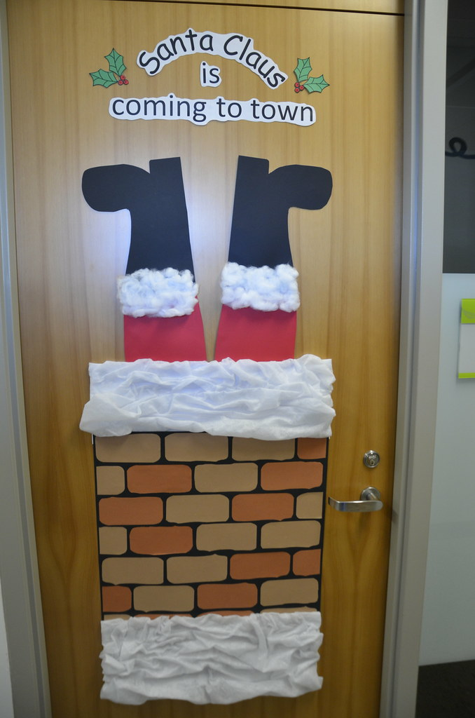 Christmas Door Decorating Contest University Of The
