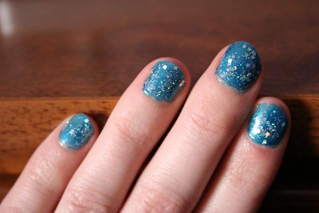 '90s nail polish painted