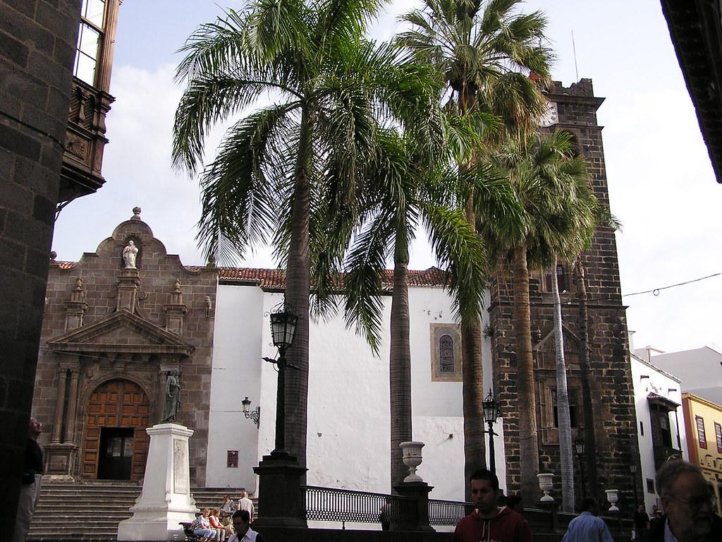 Portada a Plaza de España Iglesia El Salvador Santa Cruz de la Palma