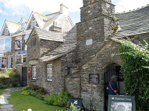 Tintagel Village Post Office This Is A 600 Year Old Tradit Flickr