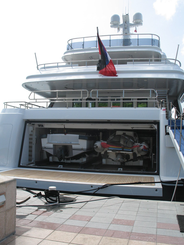 23 Super Yacht With 2 Boat Garage Dianes Photos
