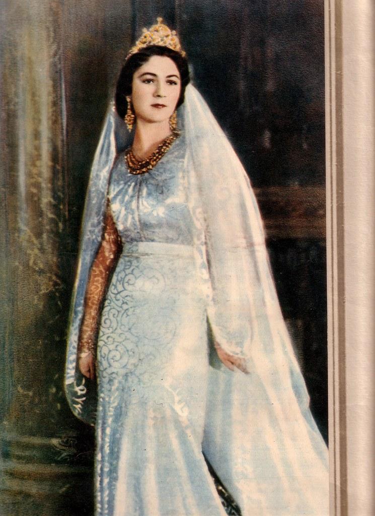 Official Wedding Photo of HM Queen Farida  www