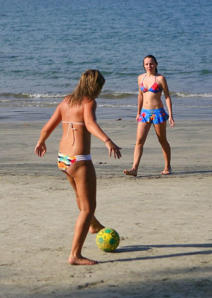 Cute Korean Little Girl Wallpaper Women S Beach Football Futebol Feminino Women Playing