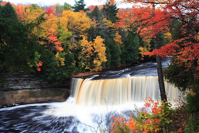 Fall Leaves Desktop Wallpaper Free Upper Tahquamenon Falls 上塔库梅珑瀑布 Lluusz Flickr