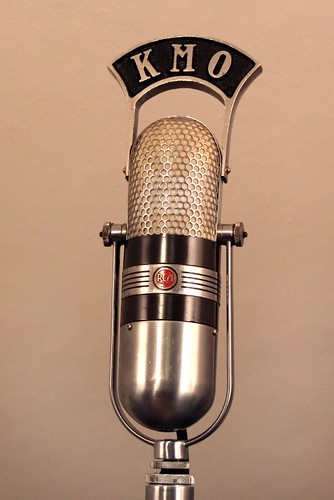vintage radio RCA 77DX studio microphone  The 77DX is the