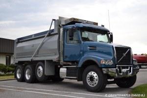 2016 Volvo VHD TriAxle Dump Truck (2)   Trucks, Buses