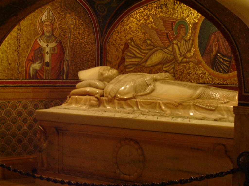 St Peters Basilica  There are over 100 tombs within St P  Flickr
