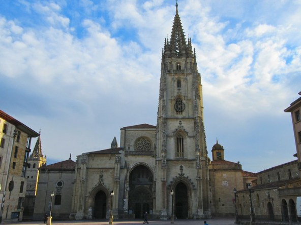 Oviedo cathedral 01